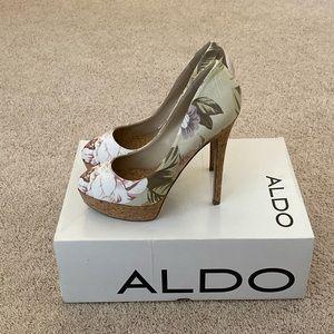 Aldo Destime platform pumps floral like new 36b